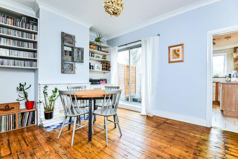 4 Bedrooms Terraced House for sale in Ronver Road Lee SE12