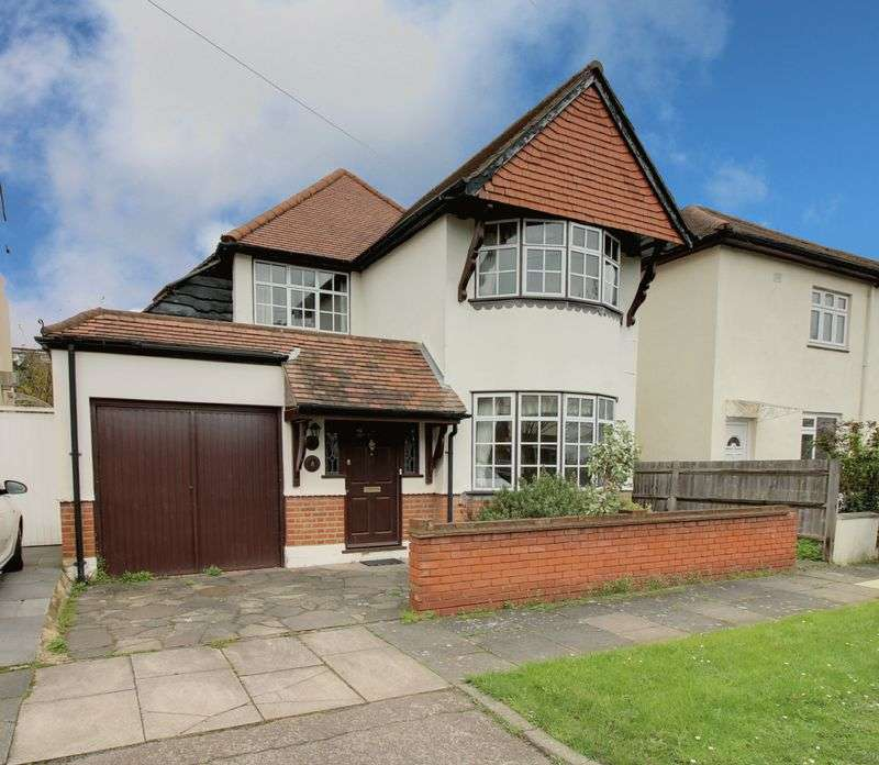 3 Bedrooms Property for sale in Woodbine Grove, Enfield