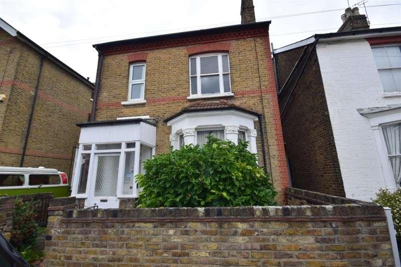 3 Bedrooms Property for sale in Heathfield North, Twickenham
