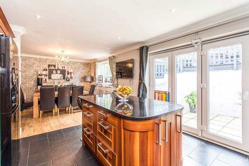 4 Bedrooms Semi Detached House for sale in Greggs Wood Road, Tunbridge Wells, TN2