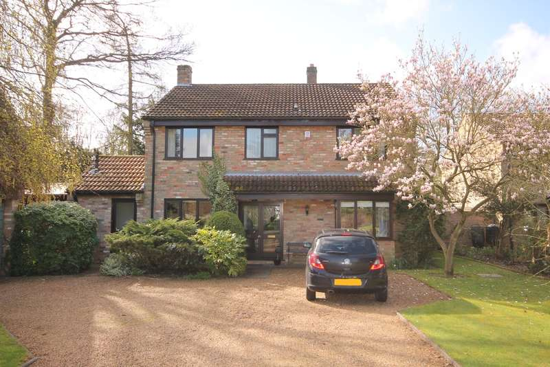 4 Bedrooms Detached House for sale in Woodlands Close, Cople, MK44