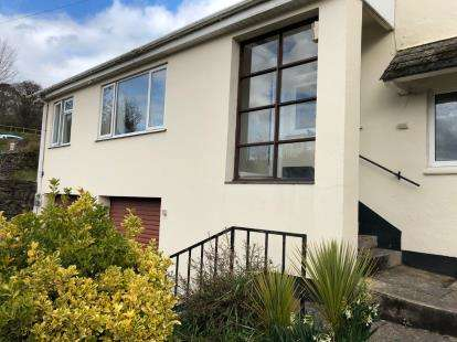 2 Bedrooms Flat for sale in Old Road, Totnes, Devon