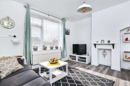 2 Bedrooms House for sale in Keedonwood Road, Bromley
