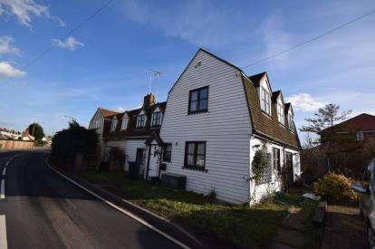 3 Bedrooms Semi Detached House for sale in Southminster, Essex