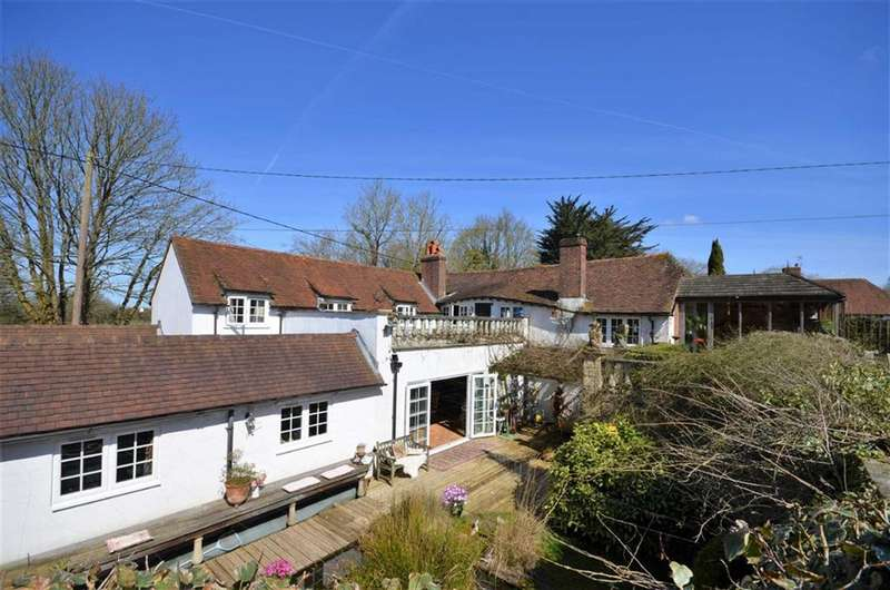 4 Bedrooms Detached House for sale in Churt Road, Churt, Farnham