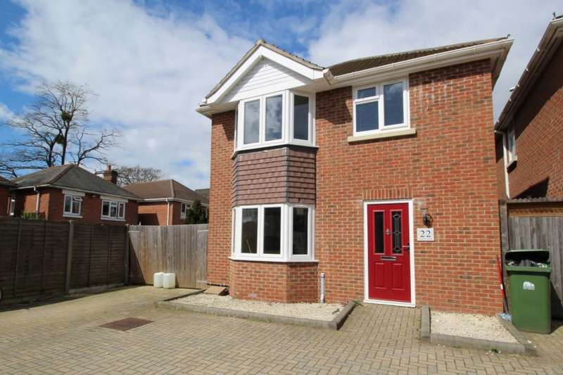 4 Bedrooms Detached House for rent in Edwina Close, Southampton, SO19