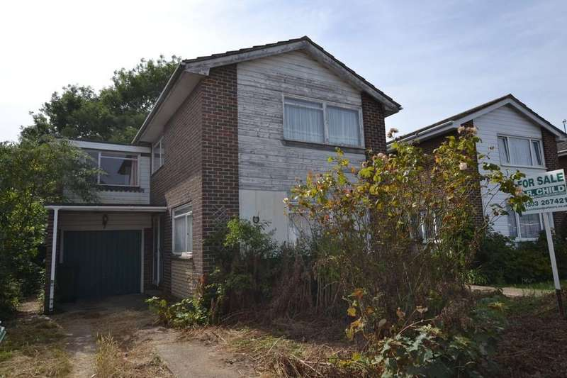 4 Bedrooms Detached House for sale in Grebe Crescent, Hythe, Kent