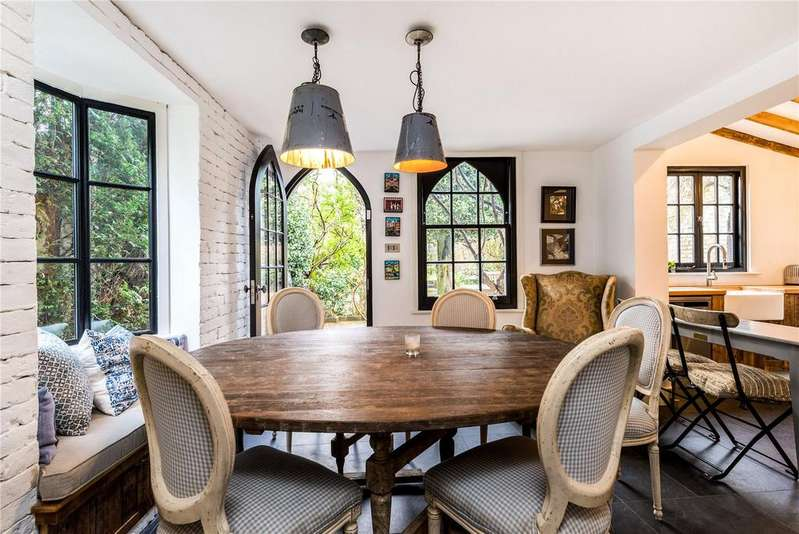 4 Bedrooms Semi Detached House for sale in Station Road, Barnes, London, SW13