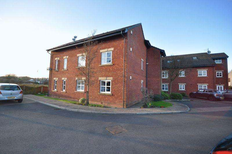 2 Bedrooms Apartment Flat for sale in Burns Court, Bamford, Rochdale