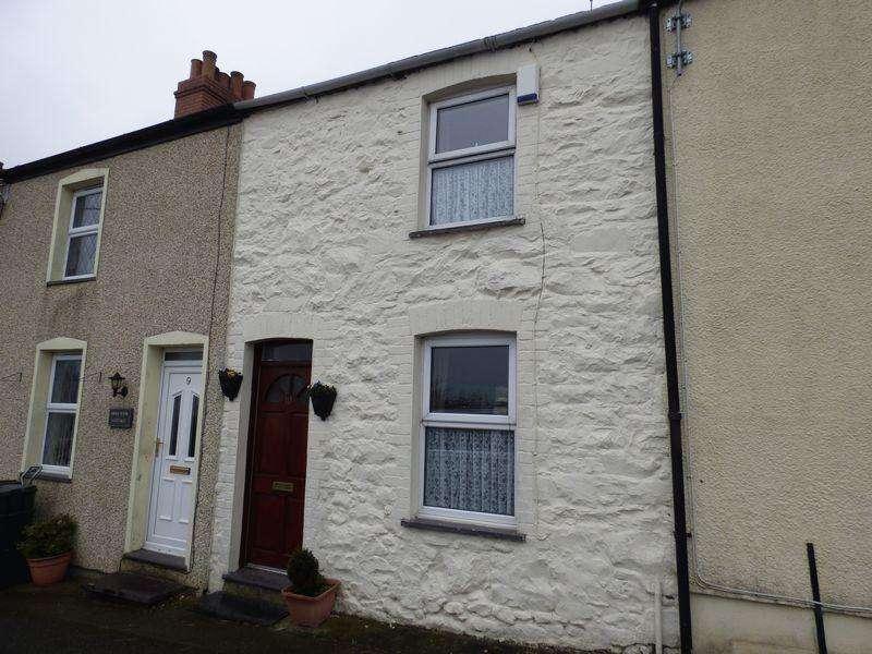 2 Bedrooms Terraced House for sale in 10 Caerwen Terrace, Penmaenmawr LL34 6PF