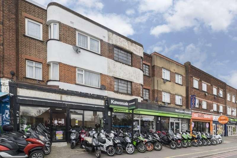 1 Bedroom Flat for sale in Eastern Avenue, Newbury Park, Ilford, IG2