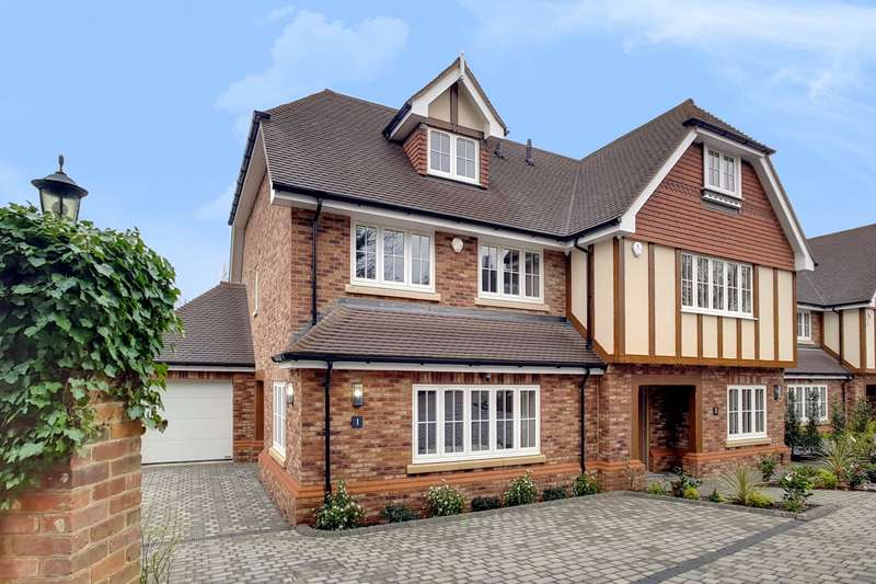 4 Bedrooms Semi Detached House for sale in Little Dormers, South Park Crescent, Gerrards Cross, SL9
