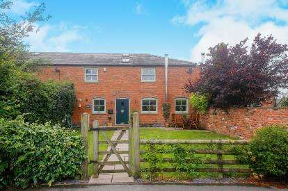 4 Bedrooms Barn Conversion Character Property for sale in Chester Lane Farm, Chester Lane, Winsford, Cheshire