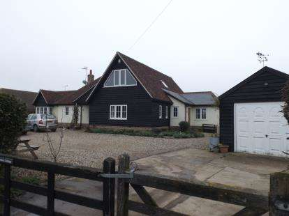 5 Bedrooms Detached House for sale in Little Clacton, Clacton On Sea, Essex