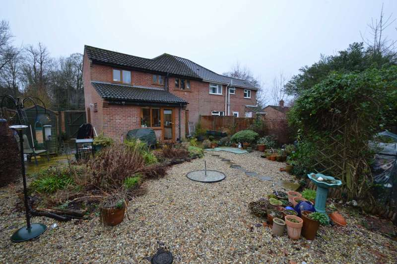 3 Bedrooms Semi Detached House for sale in Townhouse Road, Old Costessey