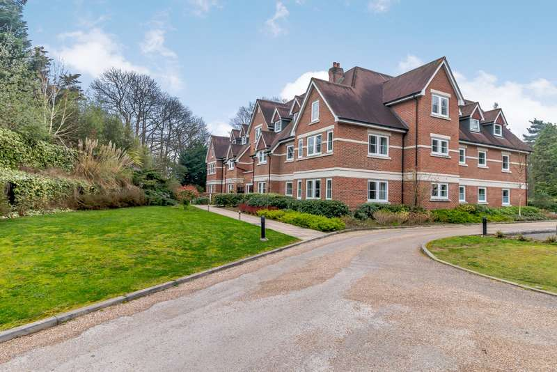2 Bedrooms Flat for sale in Esher