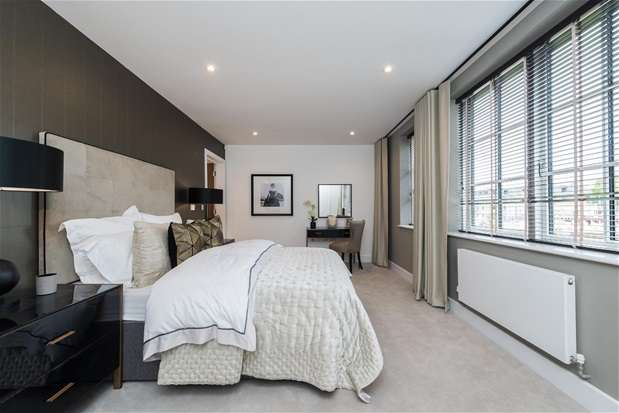 4 Bedrooms House for sale in Lawrie Park Crescent, Sydenham