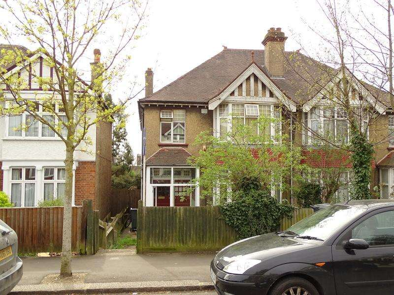 4 Bedrooms House for sale in The Ride, Brentford