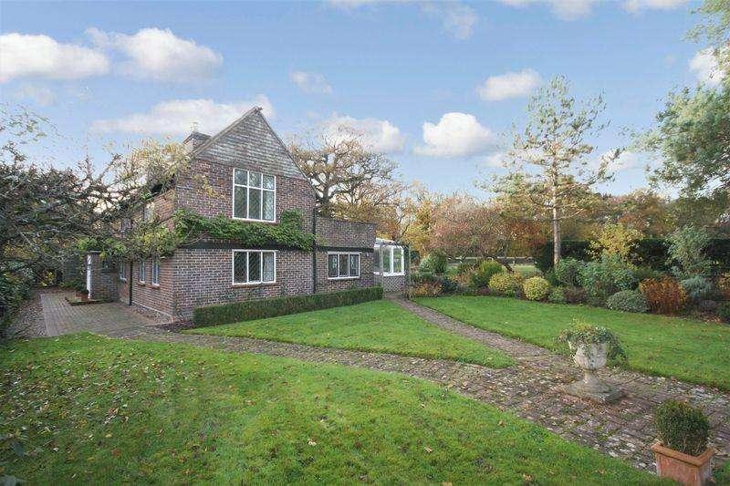 3 Bedrooms Detached House for sale in Four Elms Road, Four Elms, Edenbridge