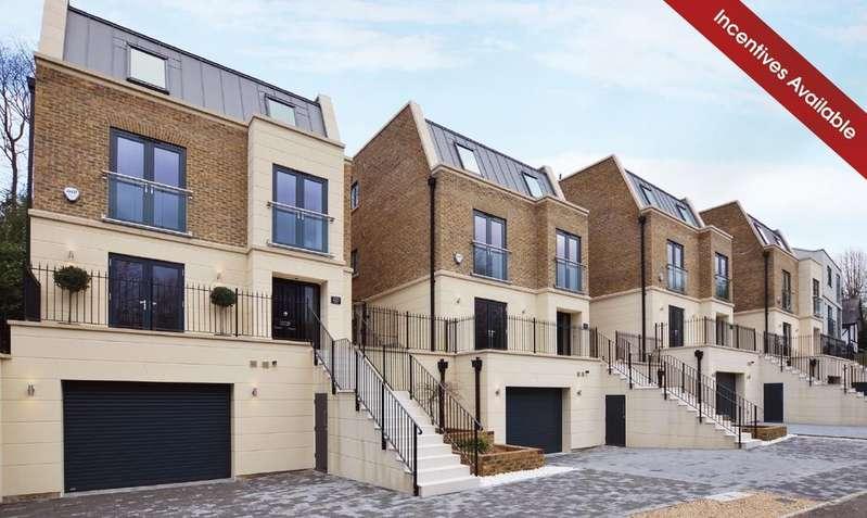 4 Bedrooms Detached House for sale in Woodlands Road Bickley BR1