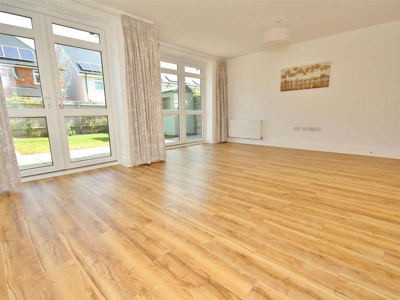 3 Bedrooms Semi Detached House for sale in Stabler Way, Hamworthy, POOLE, Dorset