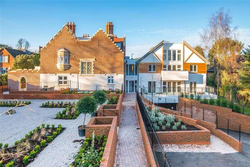4 Bedrooms Penthouse Flat for sale in Scholars Place, South Park Drive, Gerrards Cross, Buckinghamshire