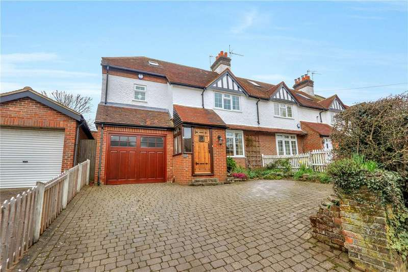 5 Bedrooms House for sale in Chipperfield Road, Bovingdon, Herts, HP3
