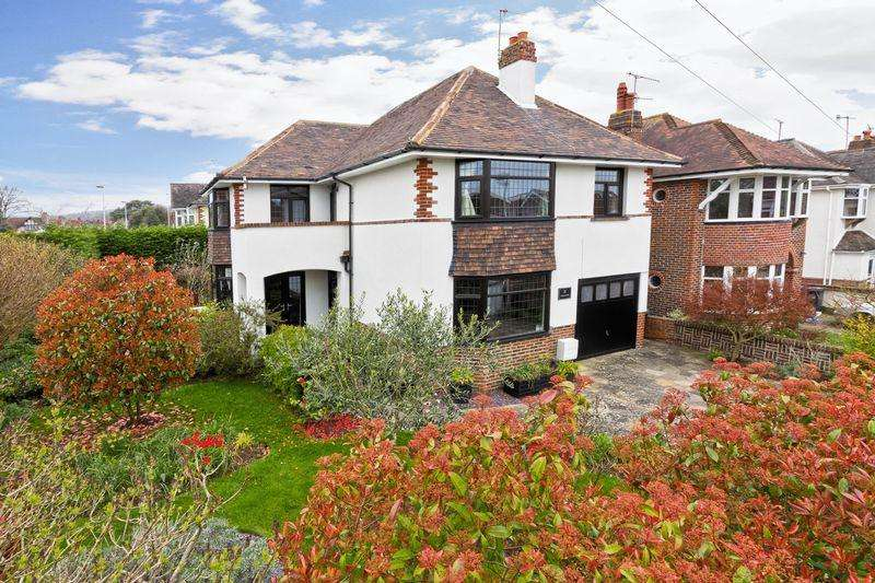 4 Bedrooms Detached House for sale in Lavington Road, Worthing