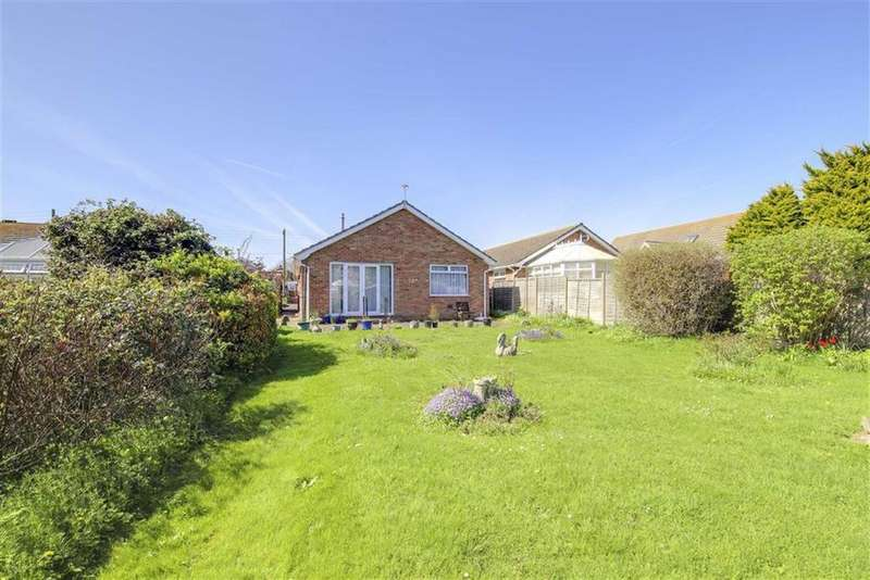 3 Bedrooms Detached Bungalow for sale in Roderick Avenue, Peacehaven