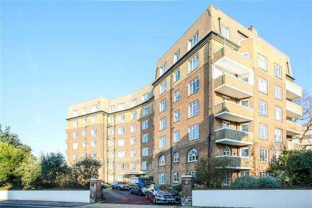 3 Bedrooms Flat for sale in Furze Hill, Hove