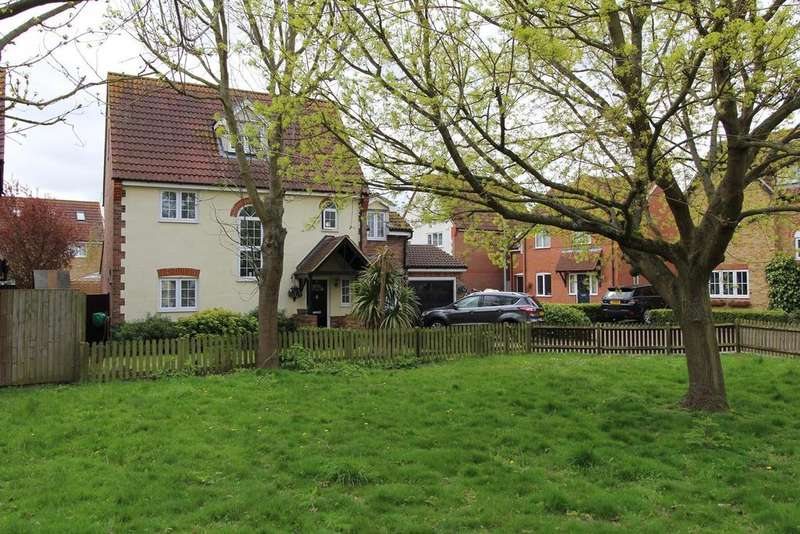 4 Bedrooms Detached House for sale in Juniper Drive, South Ockendon, Essex, RM15
