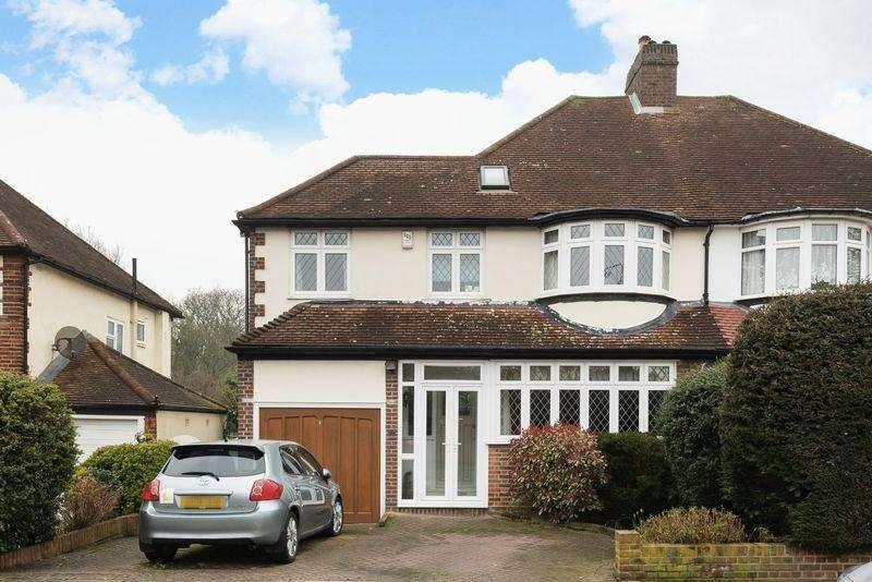3 Bedrooms Semi Detached House for sale in Crossmead, Eltham SE9