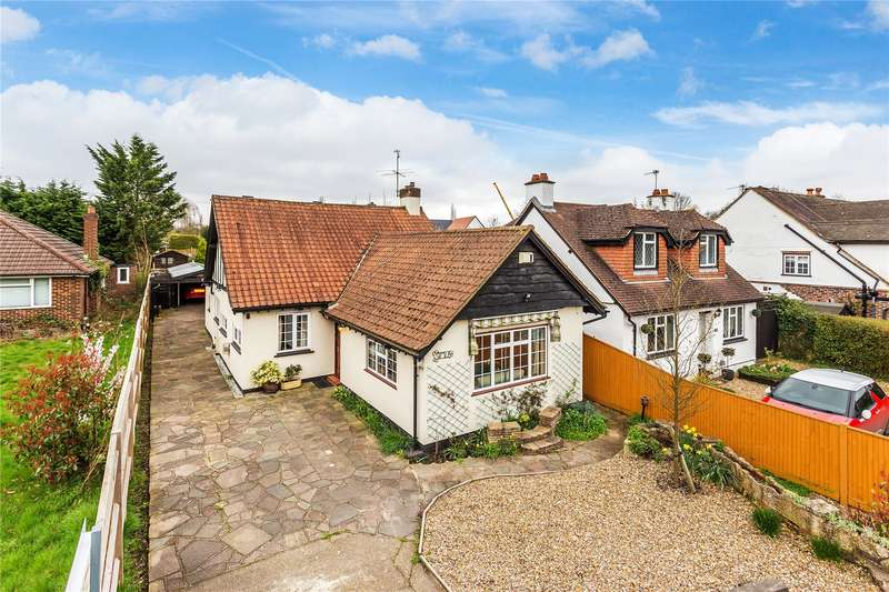 2 Bedrooms Bungalow for sale in Guildford Road, West End, Woking, Surrey, GU24