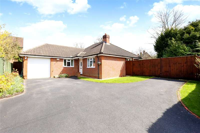 3 Bedrooms Detached Bungalow for sale in Stonehouse Road, Liphook, Hampshire, GU30