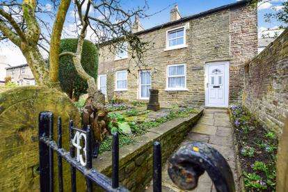 5 Bedrooms Detached House for sale in Rainow Road, Higher Hurdsfield, Macclesfield, Cheshire