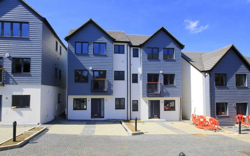 4 Bedrooms House for sale in PLOT 4 - HOUSE TYPE B1 - SHOW HOME NOW OPEN - `PARK VIEW RISE`