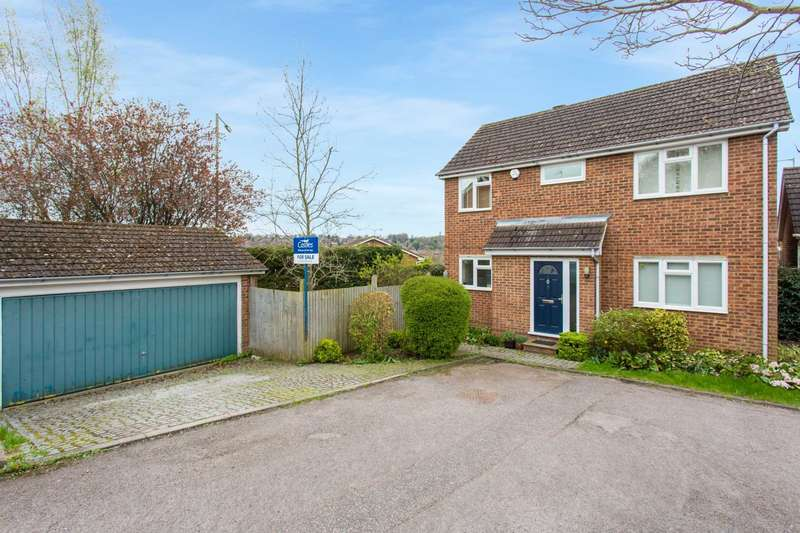 4 Bedrooms Detached House for sale in Beckets Square, Berkhamsted