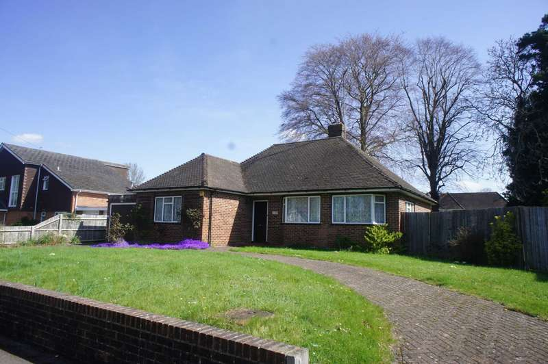 3 Bedrooms Bungalow for sale in St Peters Avenue, Caversham Heights