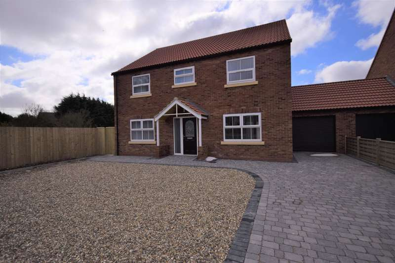 4 Bedrooms Detached House for sale in High Street, Bempton, Bridlington, YO15 1HP