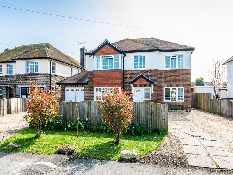 4 Bedrooms Detached House for sale in Broadmark Avenue, Rustington