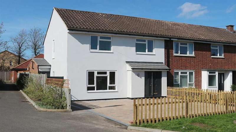 3 Bedrooms Semi Detached House for sale in Brookfield Gardens, Claygate