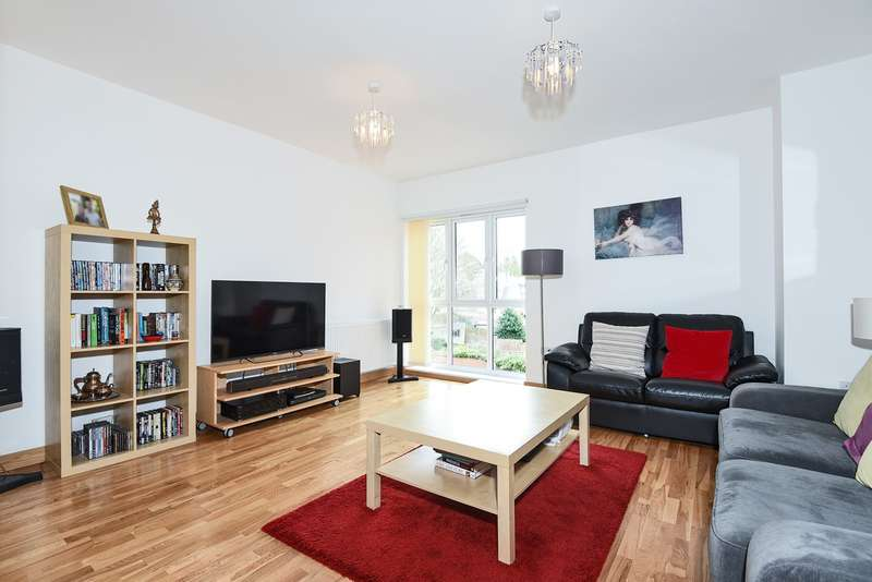 2 Bedrooms Apartment Flat for sale in Walsworth Road, Hitchin, SG4