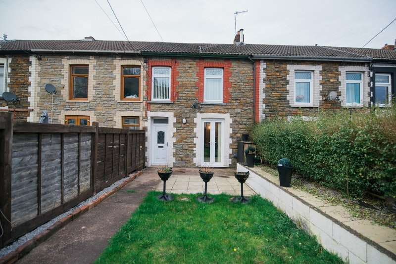 3 Bedrooms Terraced House for sale in Thomas Place, Porth, Rhondda Cynon Taff, CF39