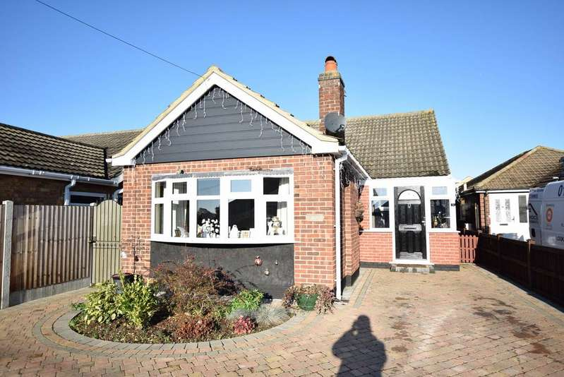 3 Bedrooms Detached Bungalow for sale in Chilburn Road, Great Clacton