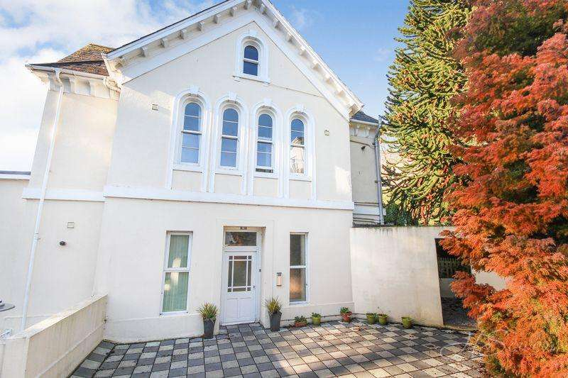 2 Bedrooms Apartment Flat for sale in Babbacombe Road, Torquay
