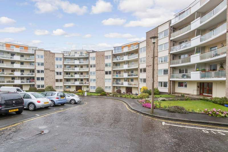 2 Bedrooms Ground Flat for sale in 4/2 Orchard Brae Avenue, Orchard Brae, Edinburgh, EH4 2HW