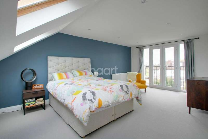 4 Bedrooms Terraced House for sale in The Green, Morden, Surrey, SM4