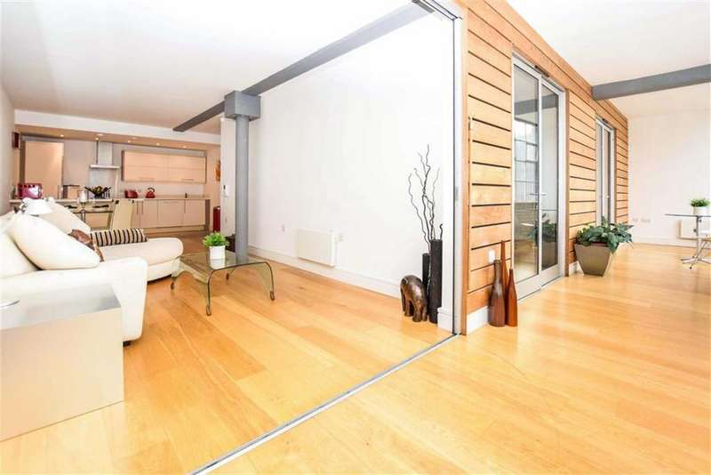 2 Bedrooms Apartment Flat for sale in The Met, Piccadilly Basin, Manchester, M1