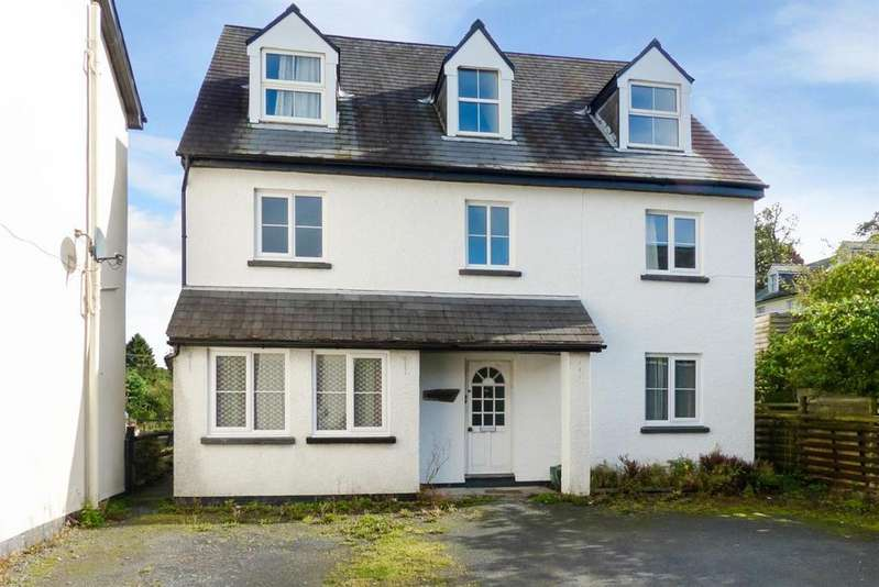 2 Bedrooms Apartment Flat for sale in Llangammarch Wells, Powys