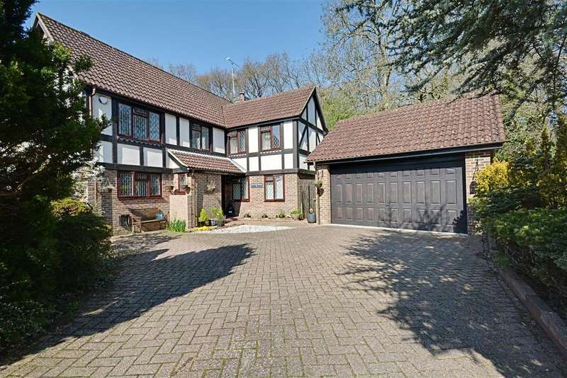 5 Bedrooms Detached House for sale in Oakfield Way, Bexhill-On-Sea
